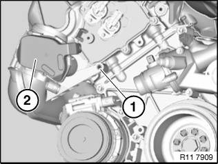 11 61 068 Removing and installing/replacing right intake