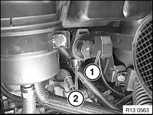 13 54 030 Removing and installing/sealing throttle body (M54 ))