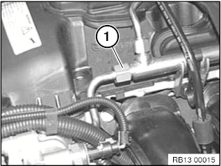 13 51 017 Removing and installing/replacing high pressure