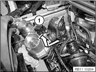 11 65 020 Removing and installing/replacing exhaust turbocharger